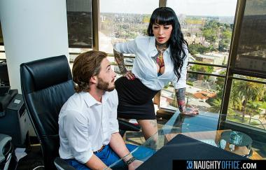 Jessie Lee, Lucas Frost – Freches Büro (NaughtyAmerica)